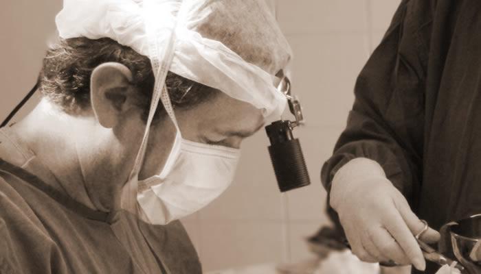Dr. Jorge Alberto Espinosa Reyes es médico y cirujano